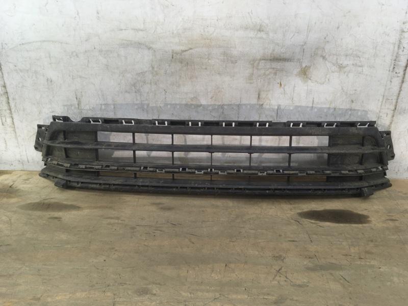 Решетка в бампер Volkswagen Jetta 6 2014