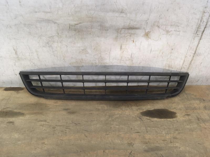 Решетка в бампер Volkswagen Jetta 6 2010