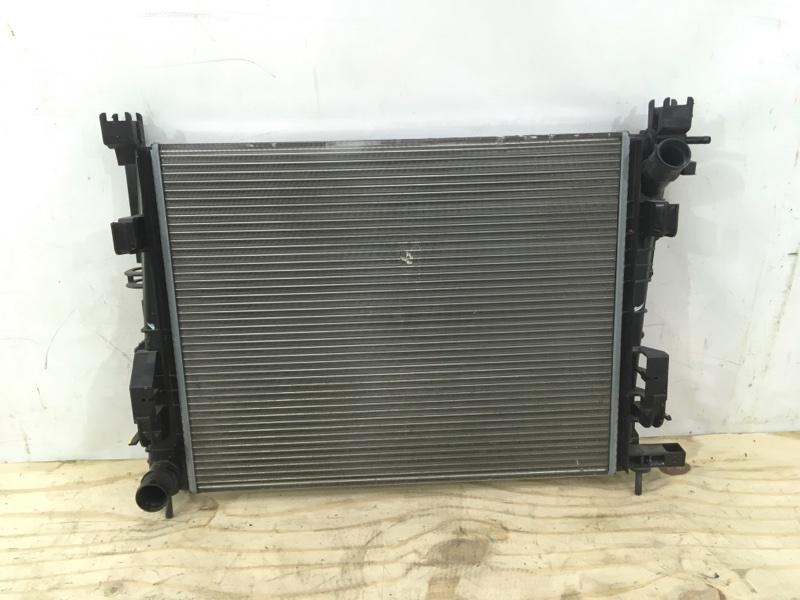Радиатор охлаждения Renault Logan 1 2004