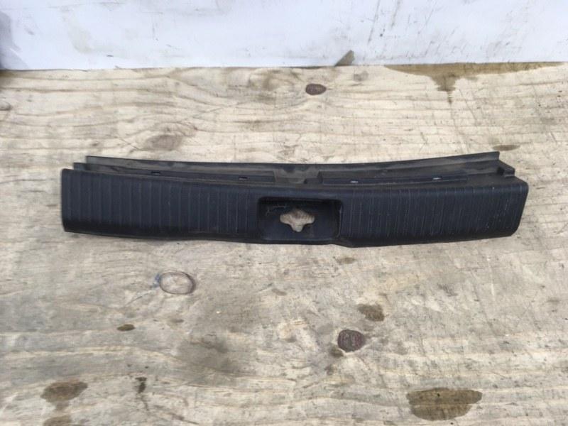 Накладка замка багажника Kia Ceed 2 2012