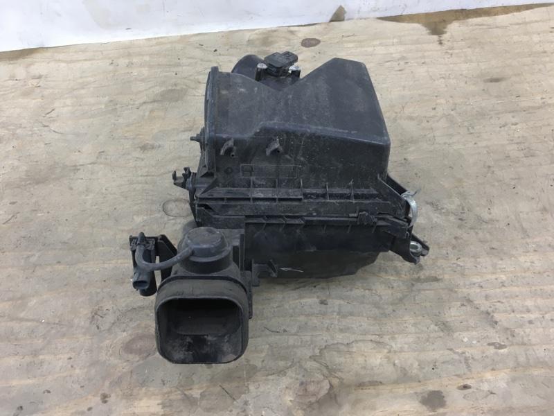 Корпус воздушного фильтра Toyota Camry 50 2011