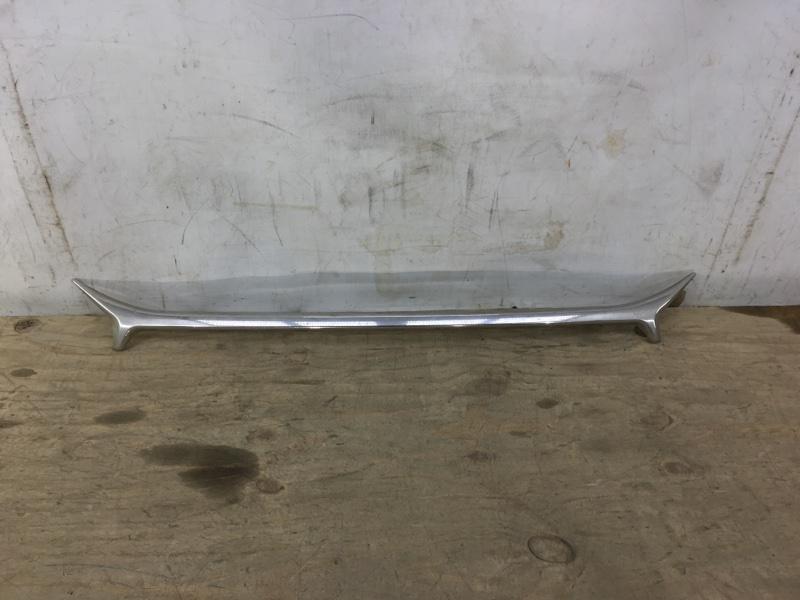 Накладка решетки радиатора Toyota Camry 50 2014