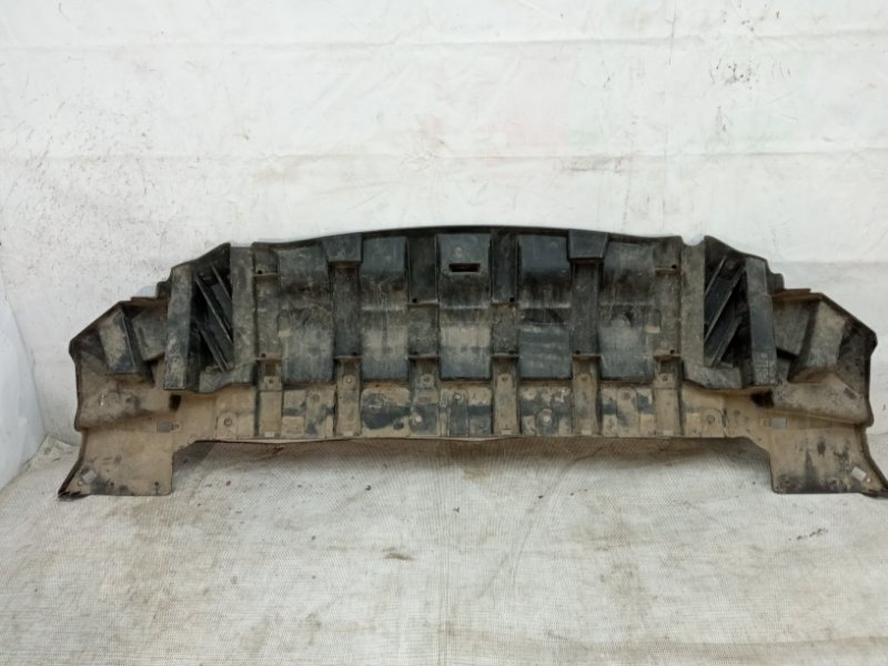 Пыльник бампера Ford Kuga 2 2012 передний нижний
