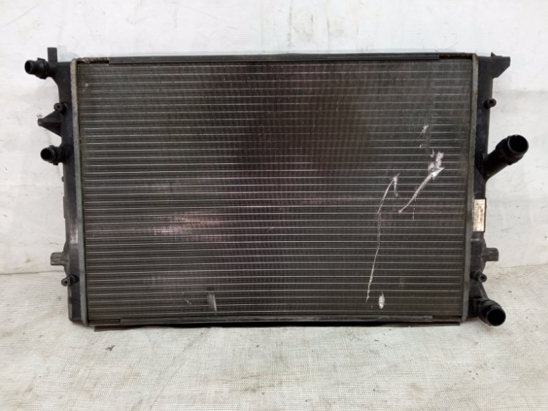 Радиатор охлаждения Audi A3 2 8P 2008
