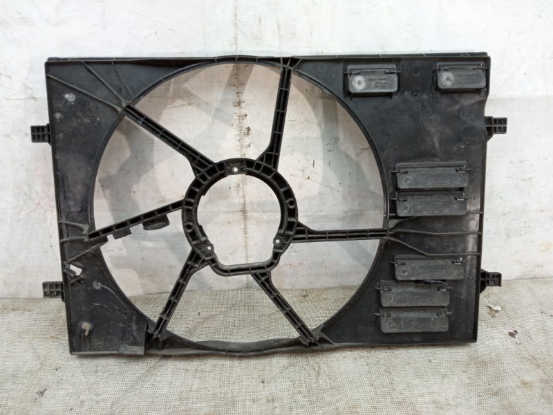 Диффузор вентилятора Skoda Octavia 3 A7 2013