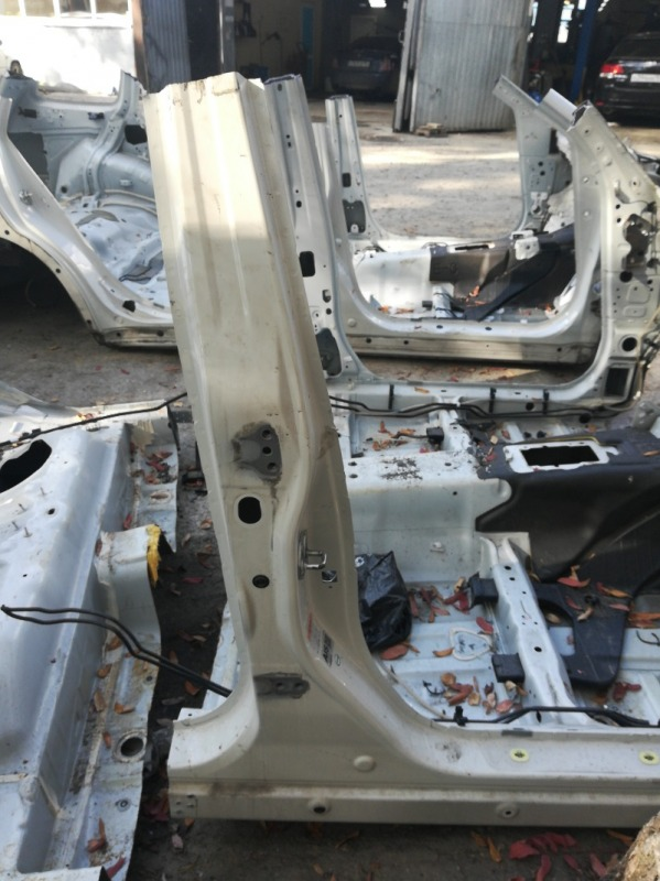 Стойка кузова Subaru Forester SHJ FB20A 2010 правая