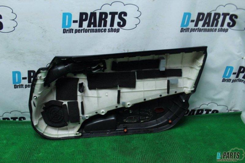 Обшивка дверей Nissan Fairlady Z Z33 VQ35DE правая