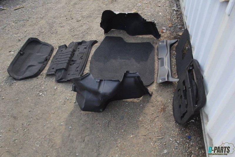 Обшивка багажника Nissan Skyline CKV36