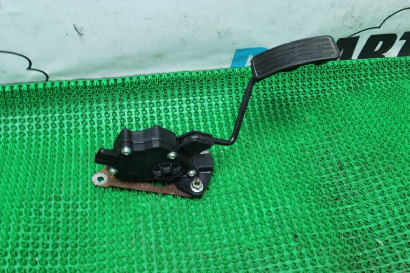 Педаль газа Subaru Forester SH5
