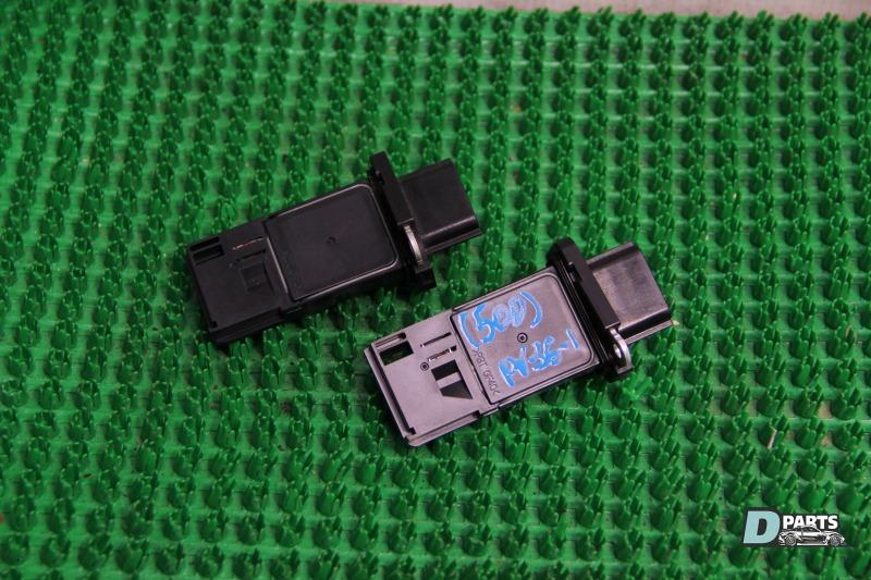 Датчик расхода воздуха Nissan Skyline PV36-204611 VQ35HR