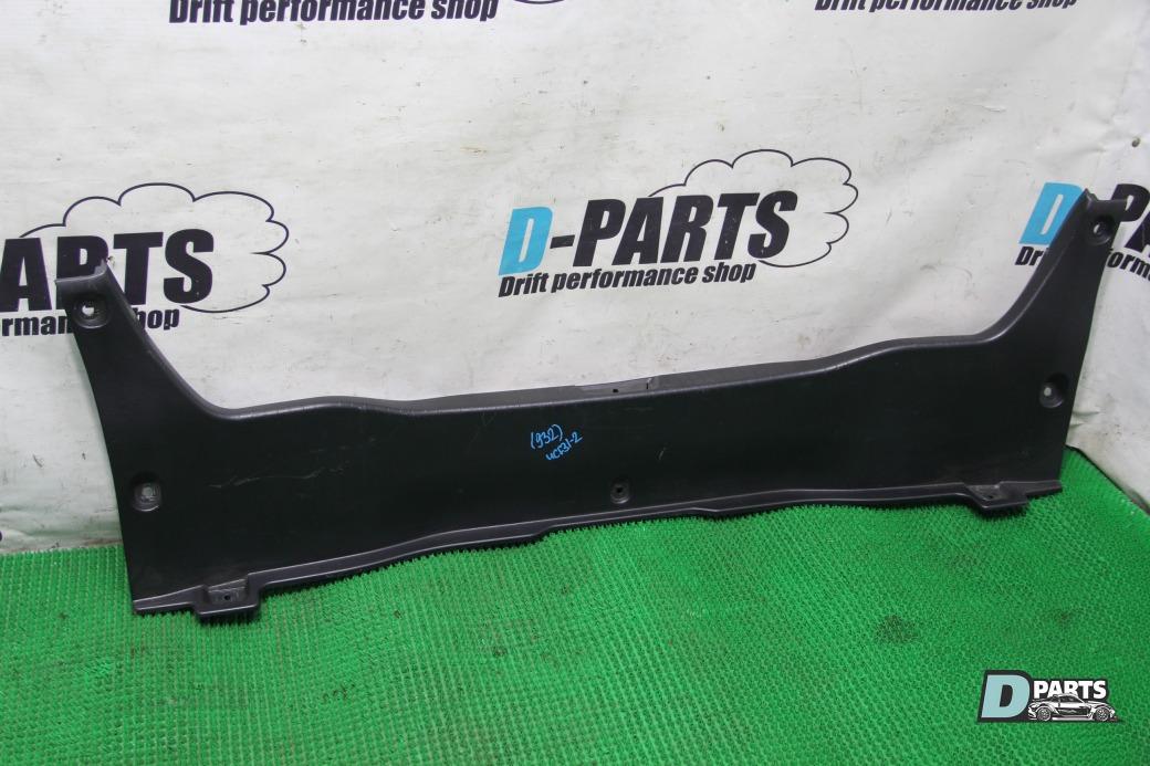 Пластик замка багажника Lexus Ls430 UCF31-0068197 3UZ 2003