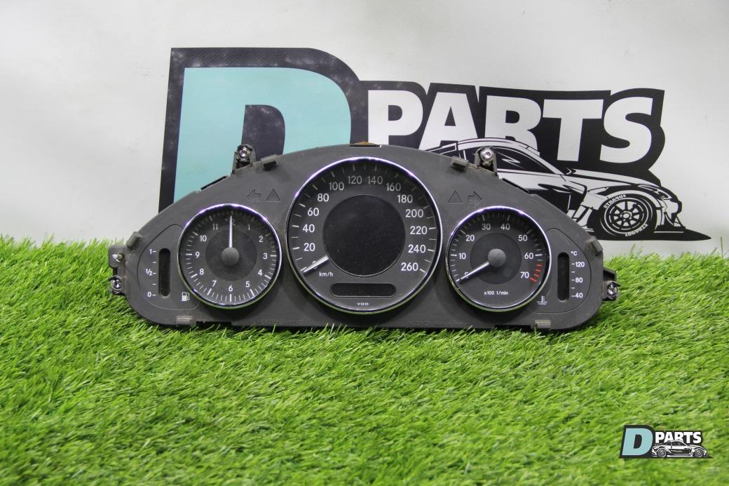 Спидометр Mercedes Cls-Class WDD2193561A031445 272.964 30 087870 2005