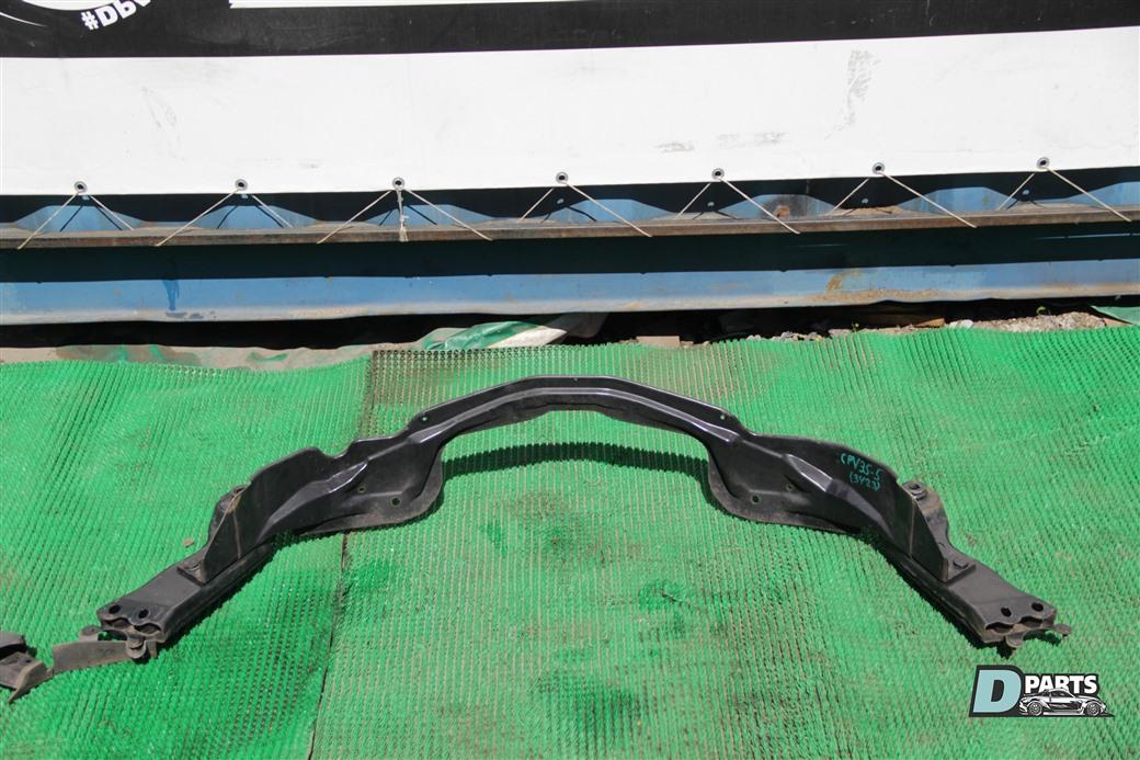 Крепление балки подвески Nissan Skyline CPV35-508696 VQ35DE заднее