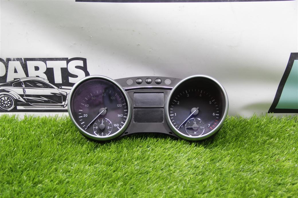 Спидометр Mercedes-Benz Gl-Class X164 M273
