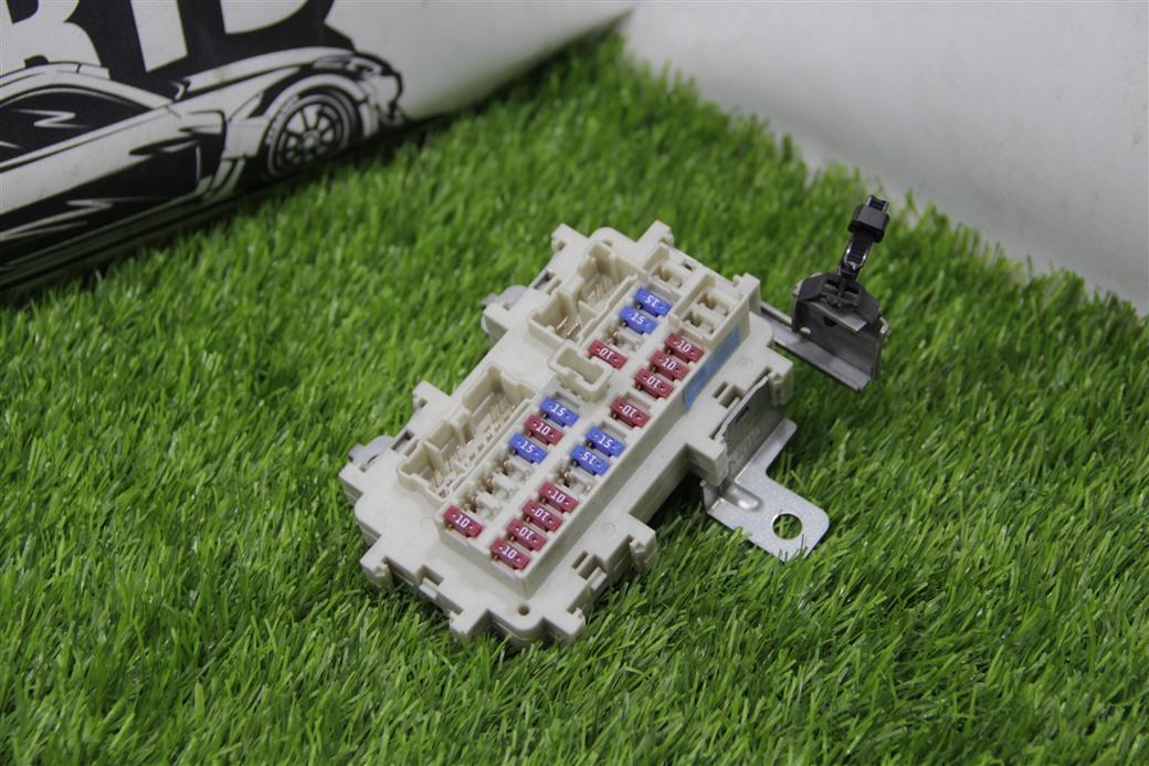 Блок предохранителей Nissan Fuga PY50-219244 VQ35DE
