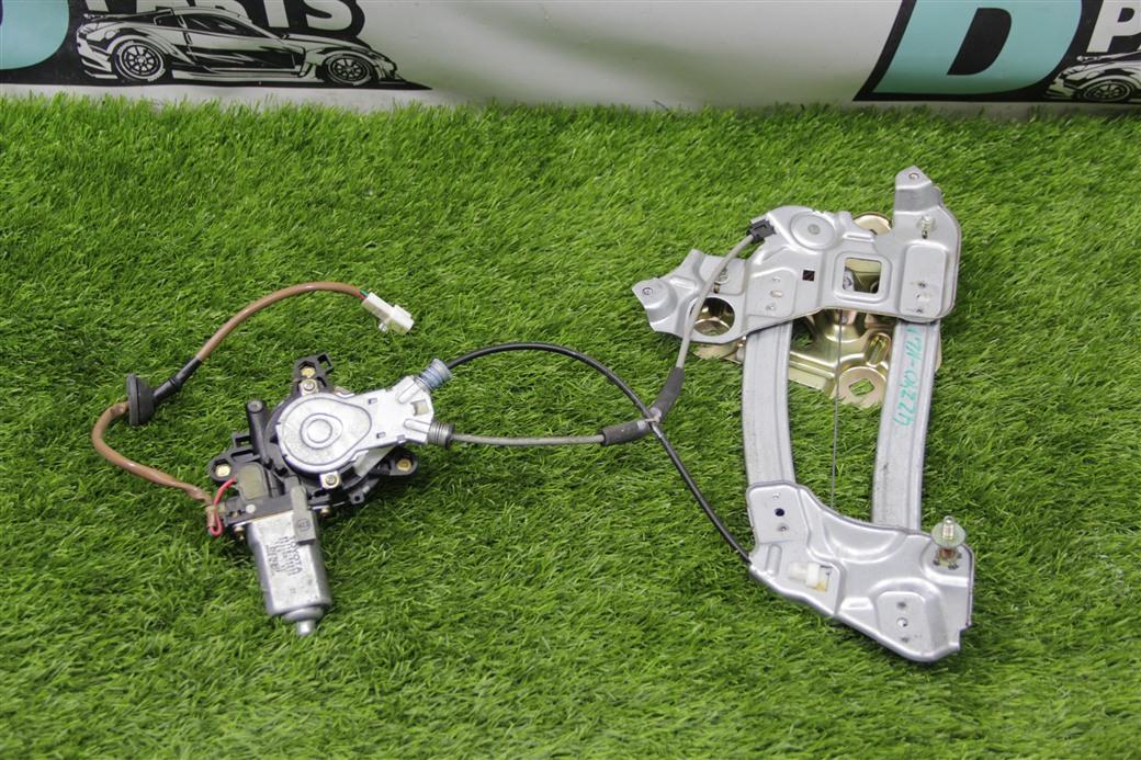 Стеклоподъемник Toyota Soarer UZZ40-0008916 3UZ-FE 2001 задний левый