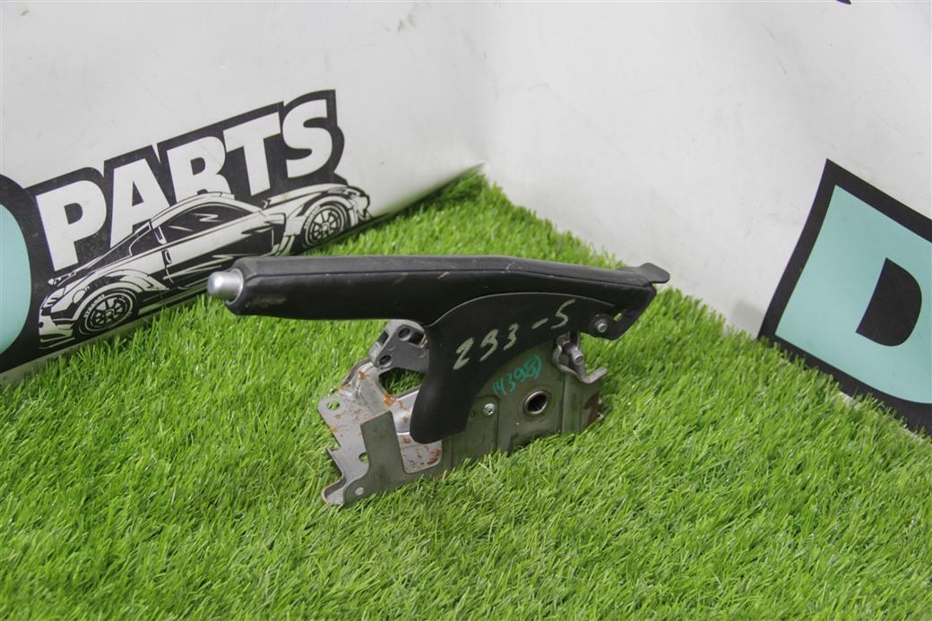 Ручник Nissan Fairlady Z Z33-008815 VQ35DE
