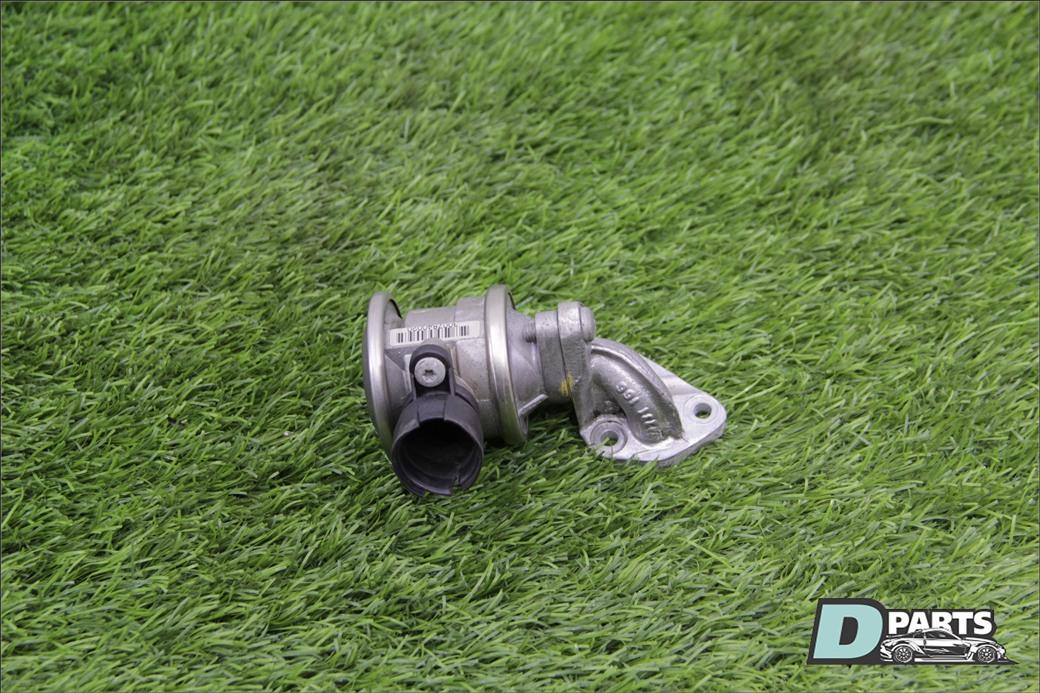 Клапан вентиляции картерных газов Audi Q7 4L BAR 4.2