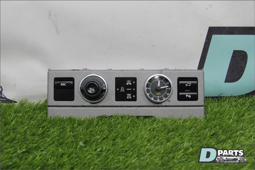 Блок переключателей в центральной консоли Land Rover Range Rover L322 M62B44 2005