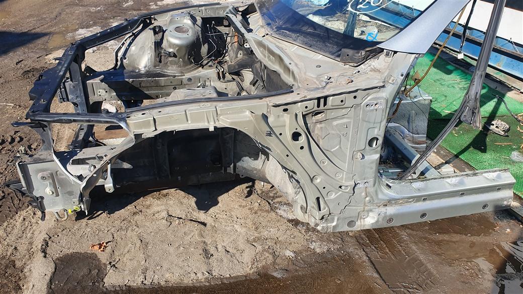 Лонжерон Toyota Soarer UZZ40-0009596 3UZ-FE 2003 левый