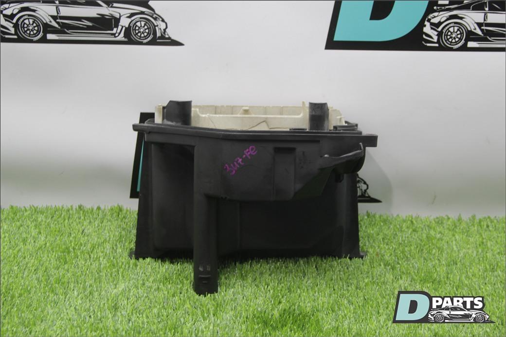 Коробка для блока efi Toyota 3UZ-FE