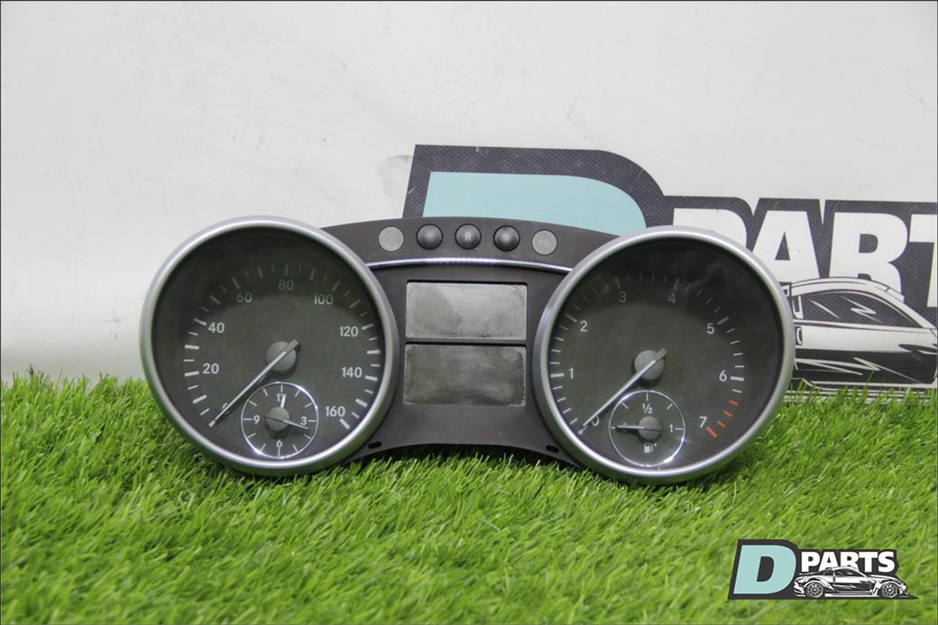 Спидометр Mercedes-Benz Gl-Class X164 M273 2007