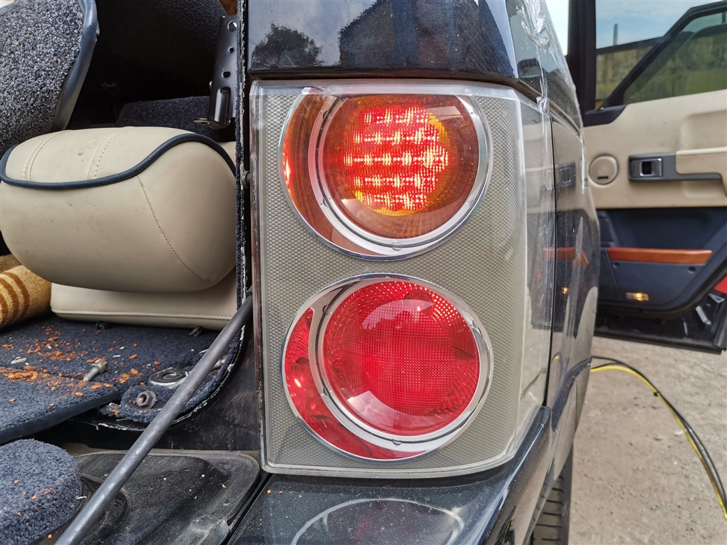 Стоп-сигнал Land Rover Range Rover L322 M62B44 2005 правый