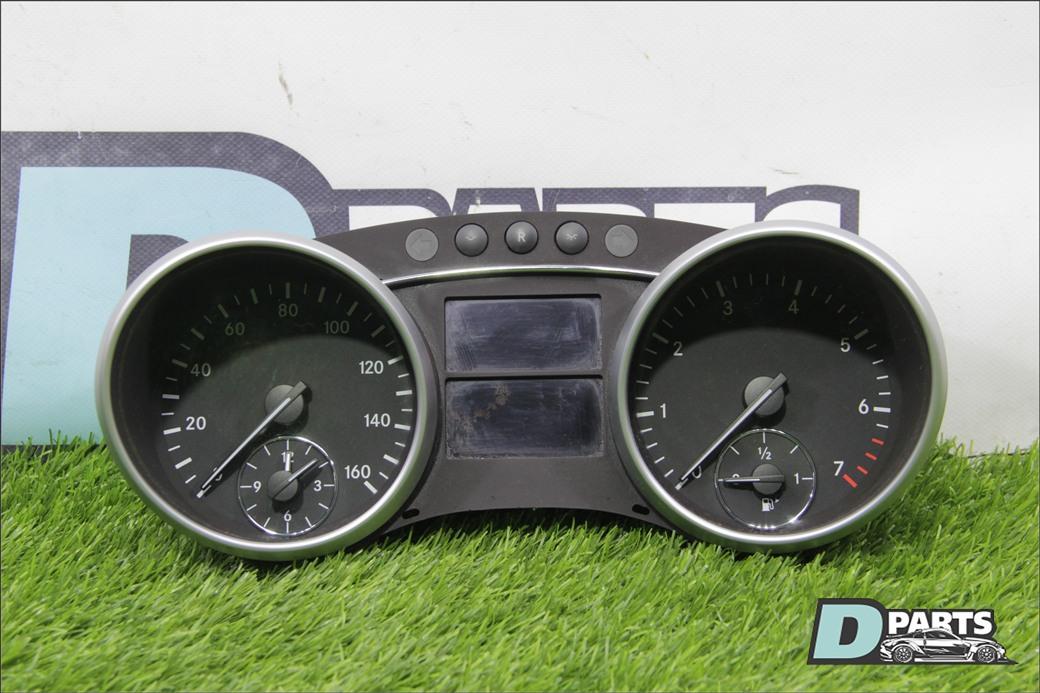 Спидометр Mercedes-Benz Gl-Class X164 M273 2008