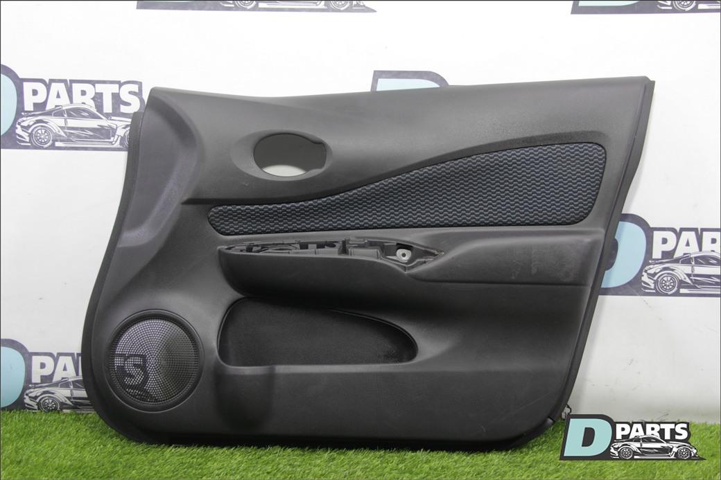 Обшивка двери Nissan Note E12 передняя правая