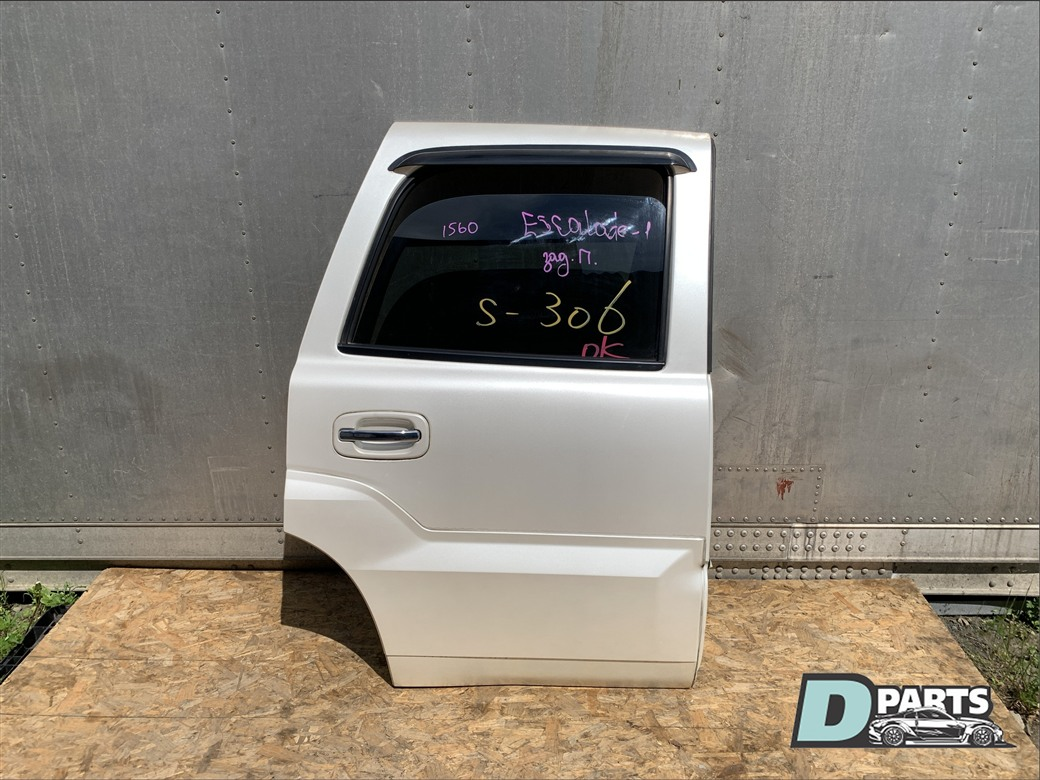 Дверь Cadillac Escalade GMT820 LQ9 задняя правая