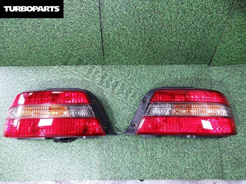 Стоп сигналы Toyota Chaser GX100 1GFE задний правый (б/у)