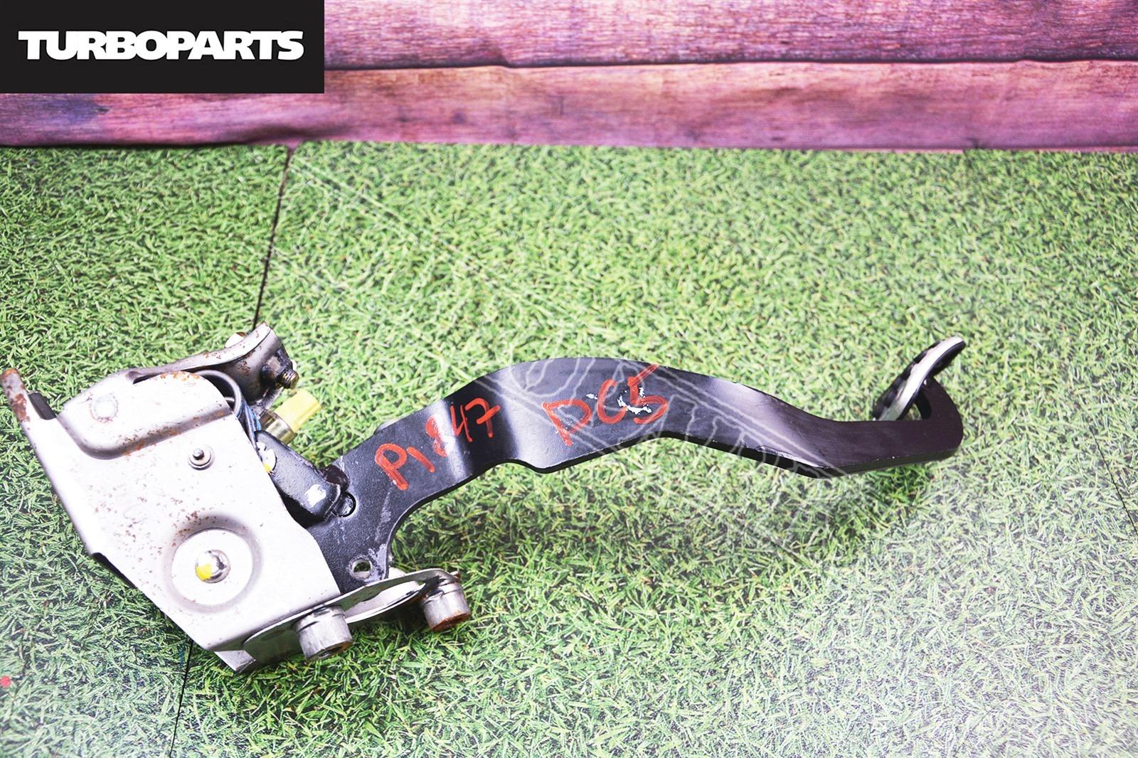 Педаль сцепления Honda Integra DC5 K20A (б/у)