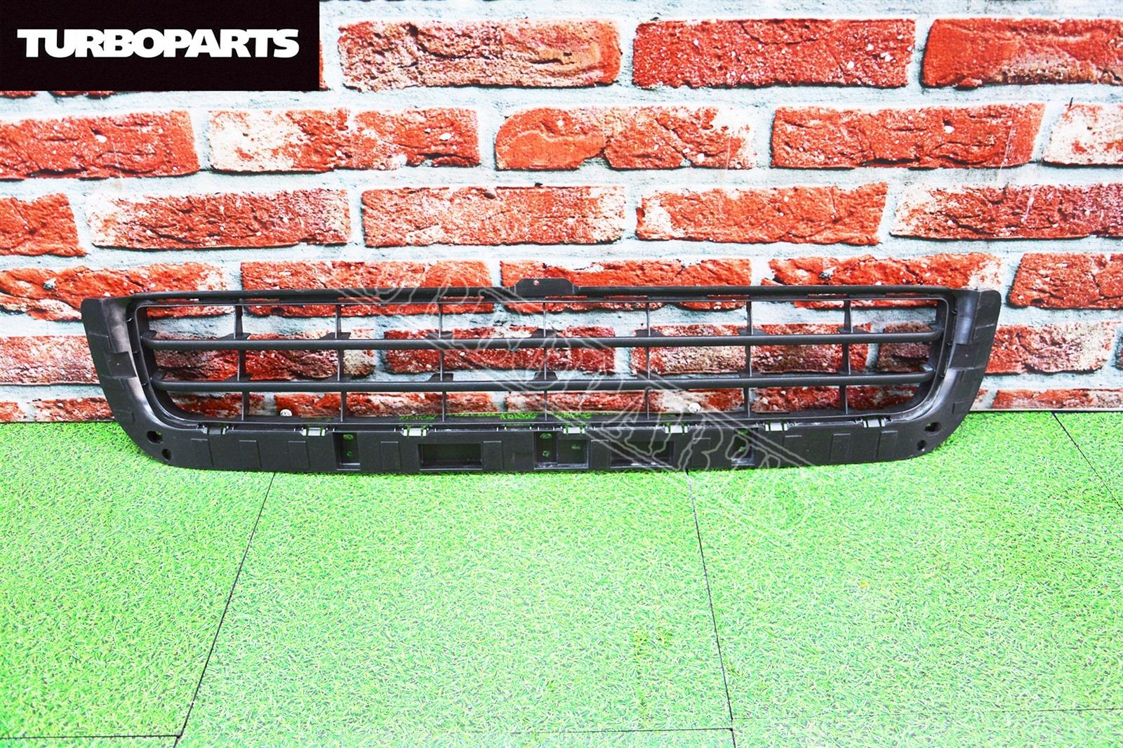 Решетка бампера Lexus Lx570 URJ201 3URFE передняя (б/у)
