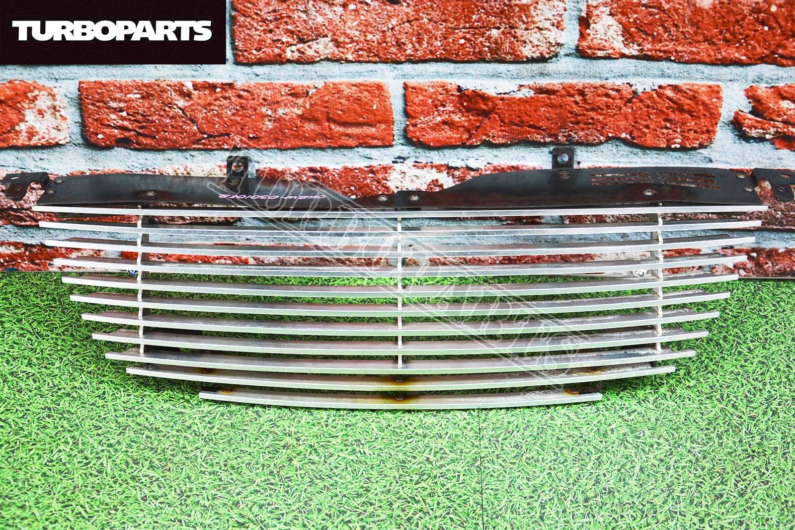 Решетка радиатора Mitsubishi Airtrek CU2W 4G69 (б/у)