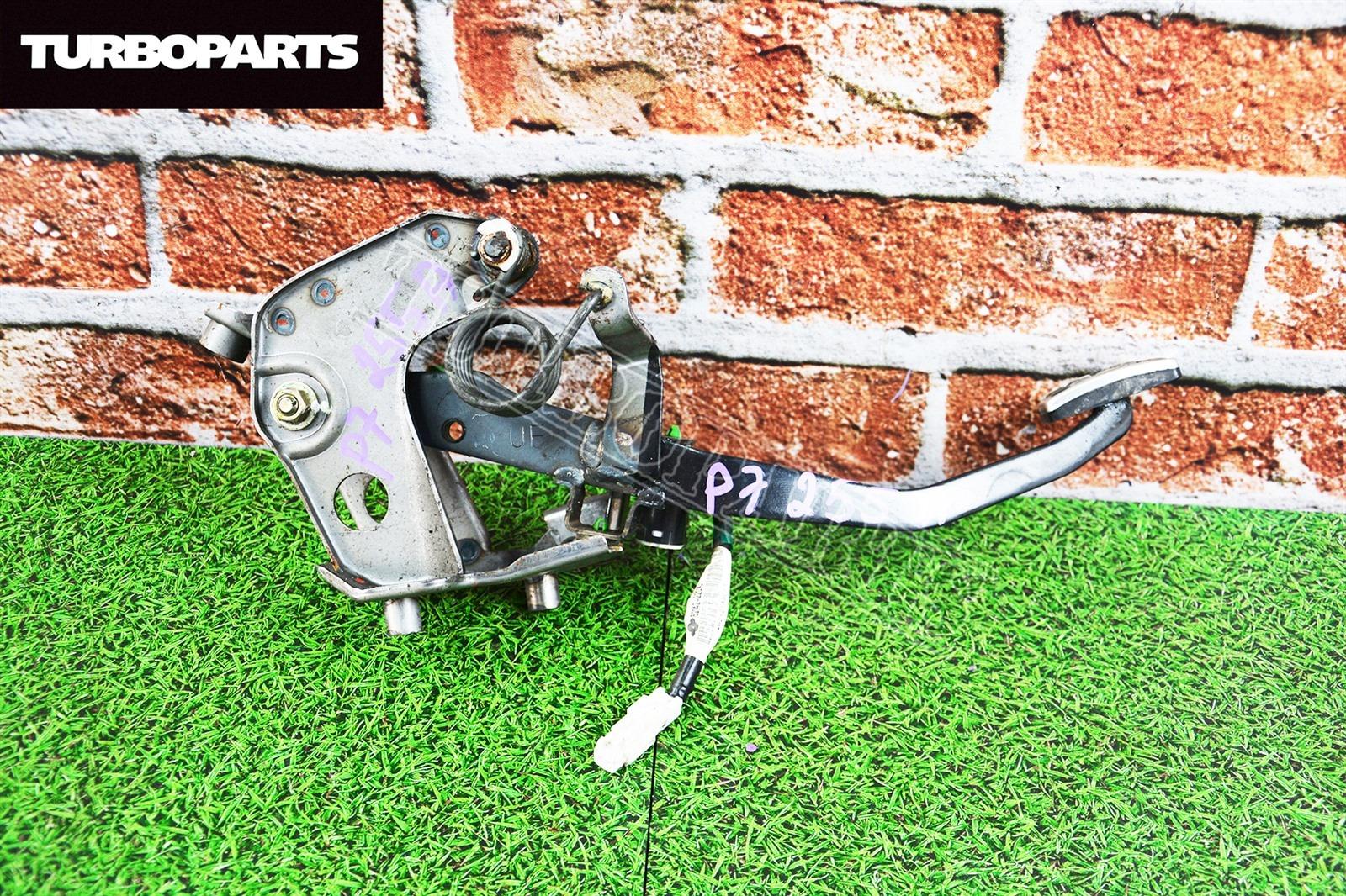 Педаль сцепления Toyota Mark 2 JZX110 1GFE (б/у)
