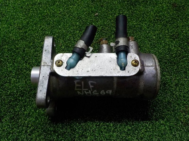 Главный тормозной цилиндр Isuzu Elf NHS69 (б/у)