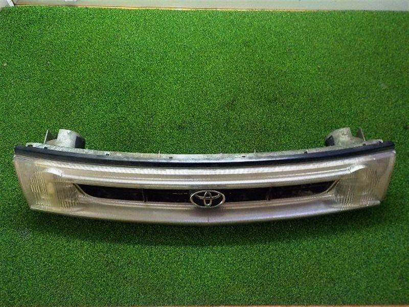 Решетка радиатора Toyota Estima CXR10 (б/у)