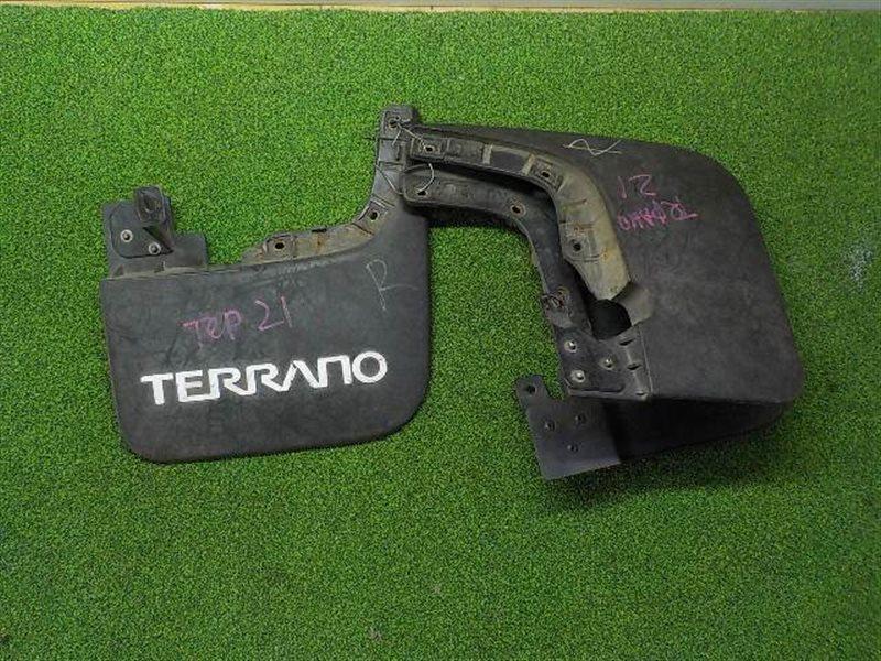 Брызговик Nissan Terrano D21 задний (б/у)