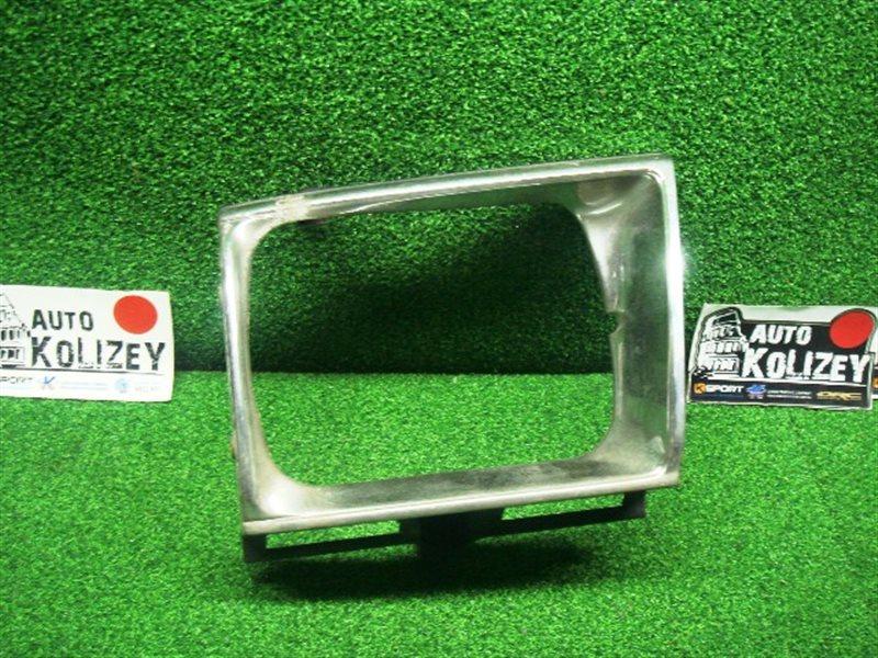 Ободок фары Toyota Surf KZN130 правый (б/у)