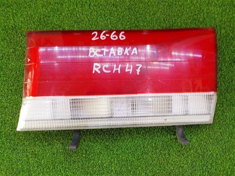 Вставка между стопов Toyota Hiace Regius RCH47 правая (б/у)
