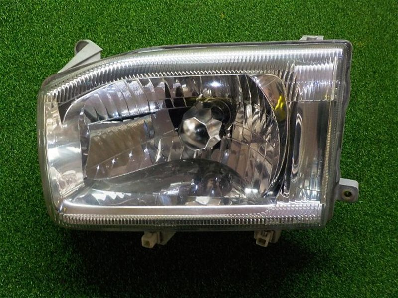 Фара Nissan Terrano R50 левая (б/у)