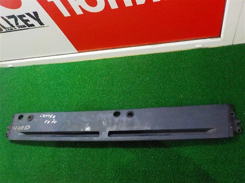 Планка под лобовое стекло Mitsubishi Canter FD70 (б/у)
