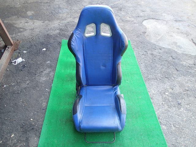Сиденье переднее правое (б/у)