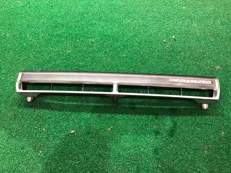 Решетка радиатора Toyota Carina AT170 (б/у)
