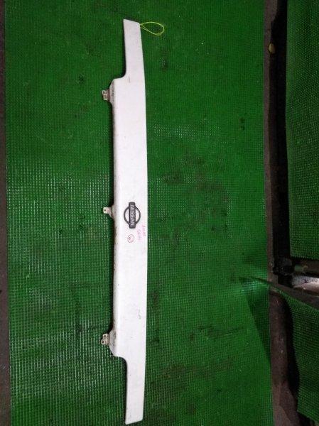 Планка под фары Nissan Atlas G4H41 (б/у)