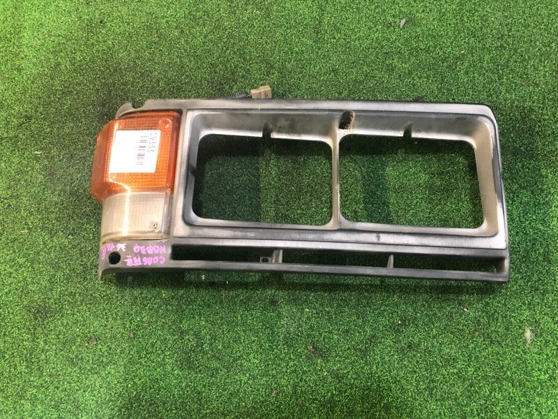 Габарит Nissan Coaster HDB30 правый (б/у)