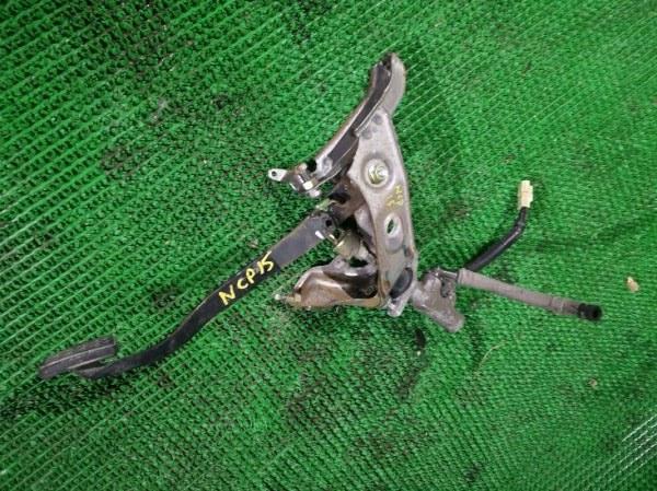 Педаль сцепления Toyota Vitz NCP15 (б/у)