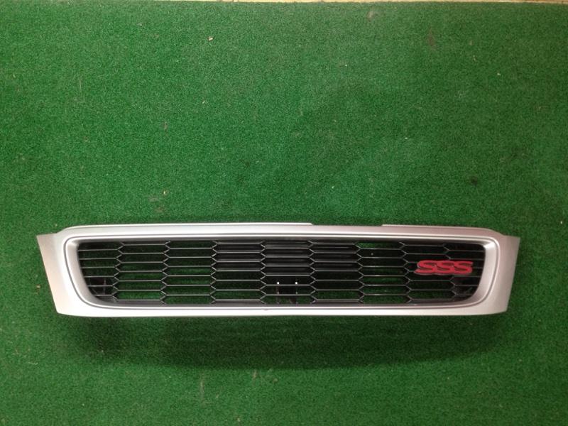 Решетка Nissan Bluebird ENU14 (б/у)