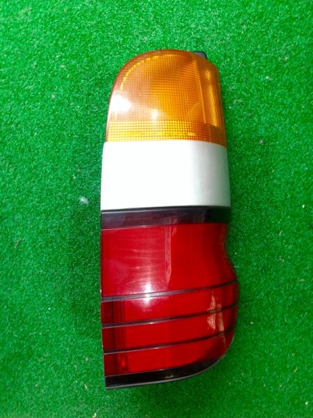 Стоп сигнал Toyota Granvia KCH16 правый (б/у)