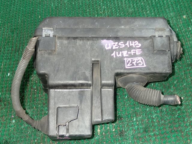 Корпус блока предохранителей Toyota Crown Majesta UZS143 1UZ-FE (б/у)